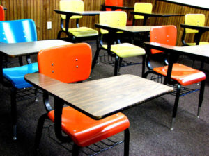 school-desks-1418686-1280x960